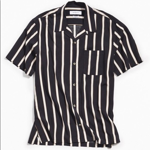 501d61e42 UO Sport Striped Rayon Short Sleeve Shirt
